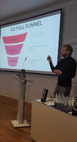 Im Funnel kann in jeder Phase ein Touchpoint mit Stories gesetzt werden - OMKB 2019