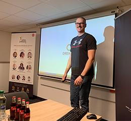 Matthias Kampmann von DREIKON GmbH stellt seinen Workflow für skalierbares Broken Linkbuilding vor.
